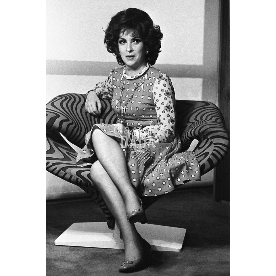 Gina Lollobrigida Nude Photos 14