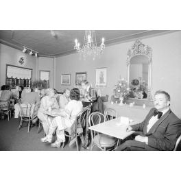 Café Bellini I